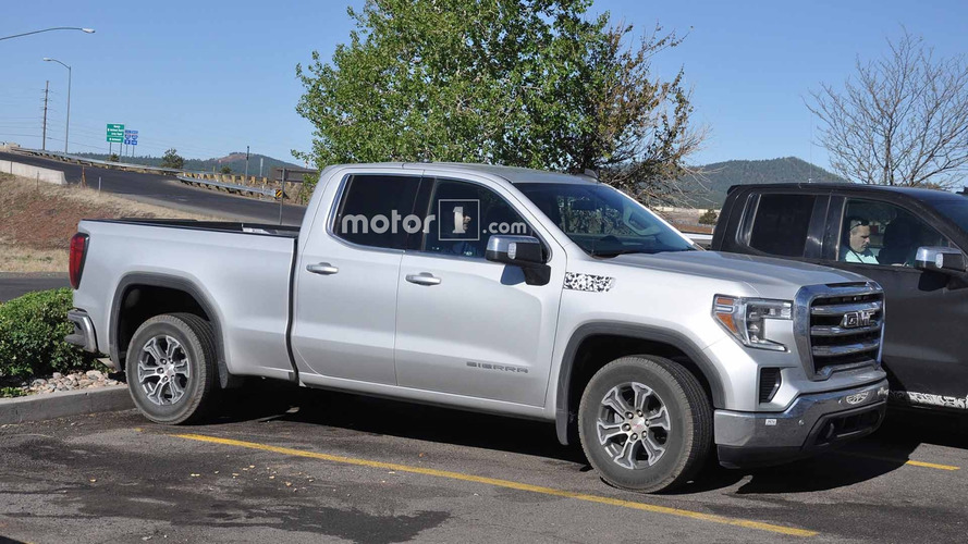 2019 GMC Sierra 1500 SLE Double Cab Spied With Nearly No Camouflage
