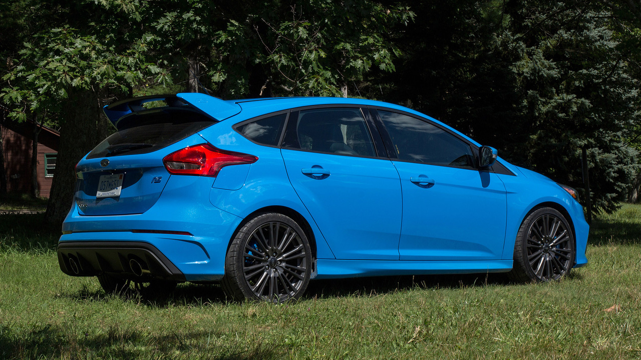 first drive 2017 ford focus rs. Black Bedroom Furniture Sets. Home Design Ideas