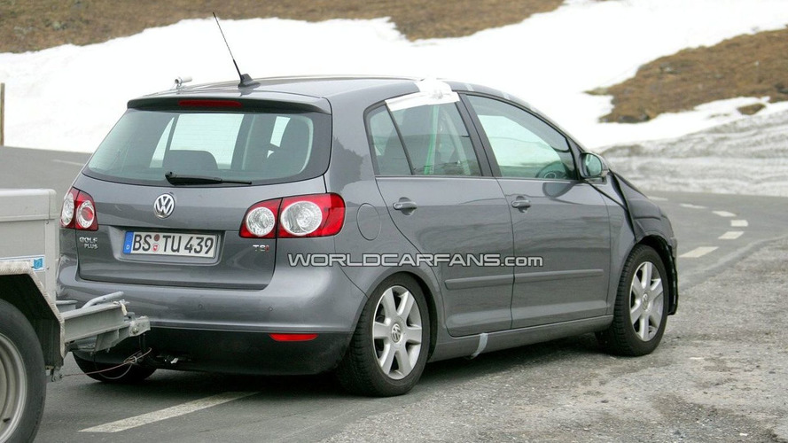 VW Golf Plus Facelift Spied in Switzerland