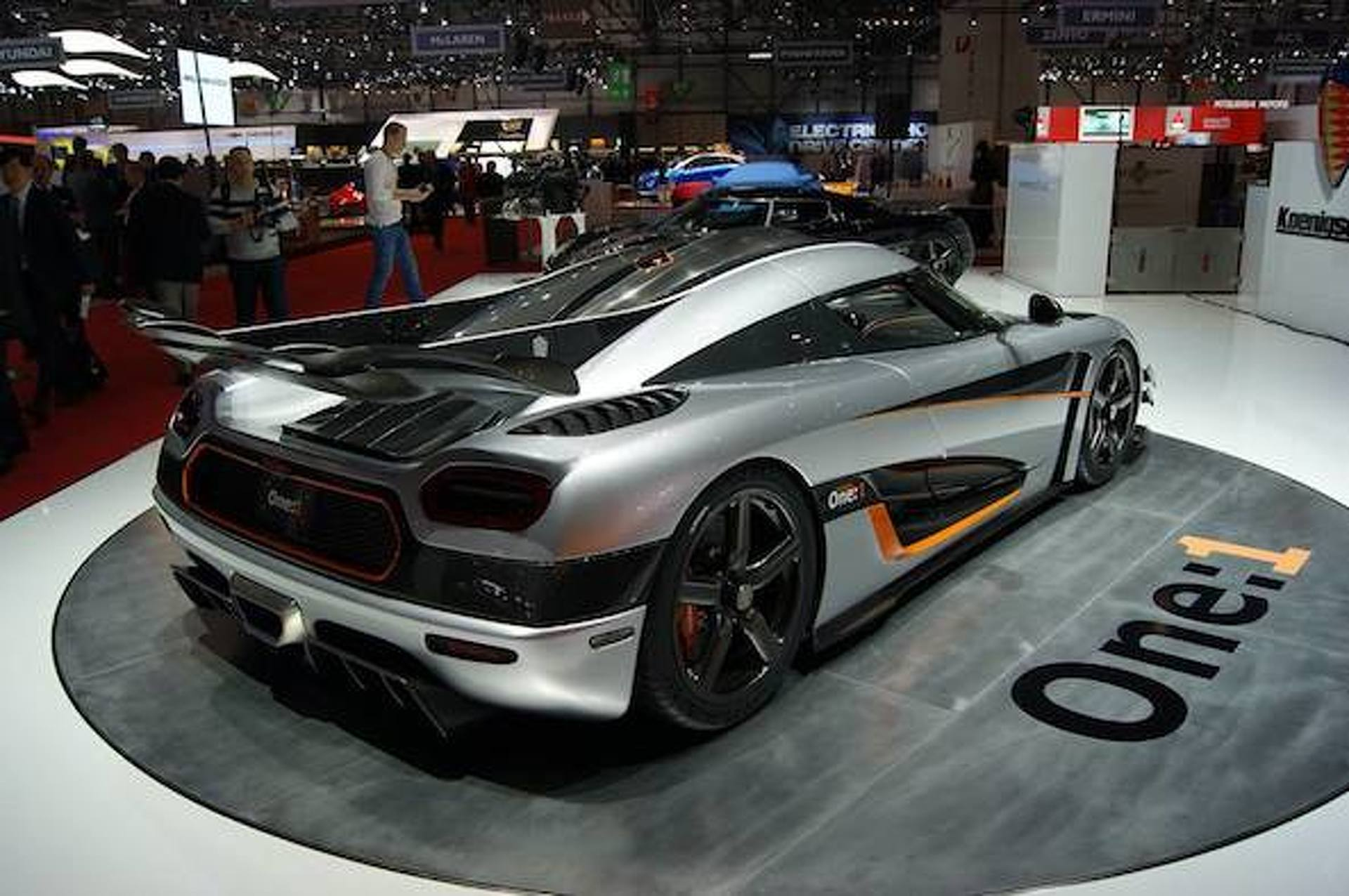 Geneva: Koenigsegg Agera One:1 Shows Up With All 1,341 Horses