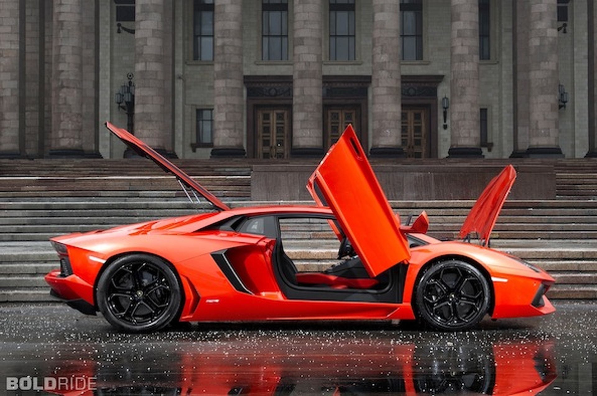 Wheels Wallpaper: Lamborghini Aventador Bares it All
