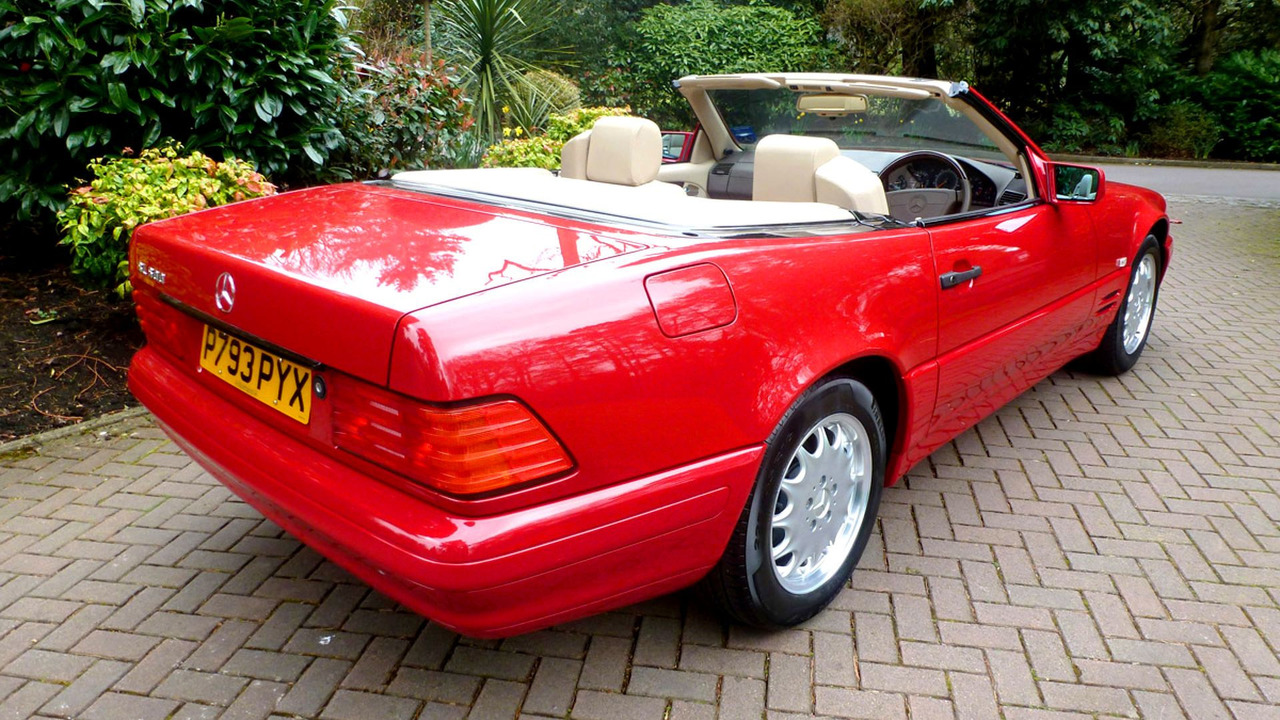 vendre mercedes sl de 1996 avec 130 km au compteur. Black Bedroom Furniture Sets. Home Design Ideas