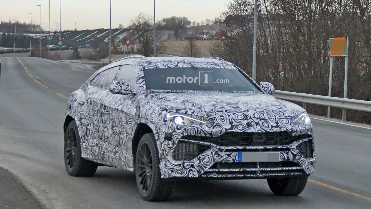 2018 Lamborghini Urus spied with production body