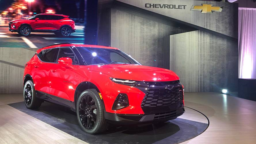 2018 Camaro Inside >> 2019 Chevy Blazer Revealed As A Sporty Crossover
