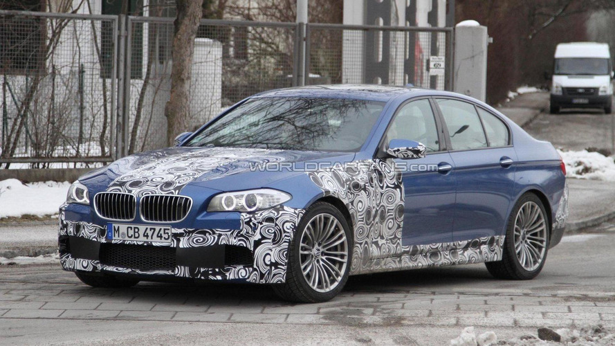 BMW M5 spied in a new color
