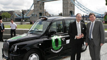 Intelligent Energy CEO, Dr. Henri Winand with London Deputy Mayor, Kit Malthouse, at unveiling of Fuel Cell Black Cab at City Hall 08.06.2010