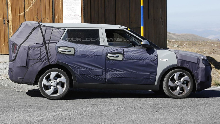 SsangYong Tivoli spied in seven-seat guise