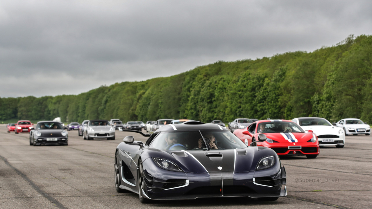 Koenigsegg One:1 at Vmax200 speed event