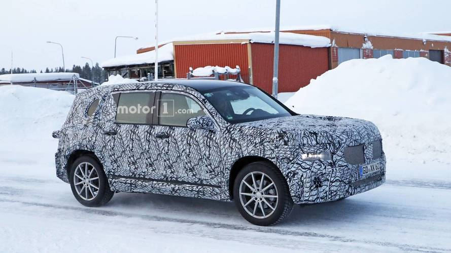 2020 Mercedes GLB spy photo