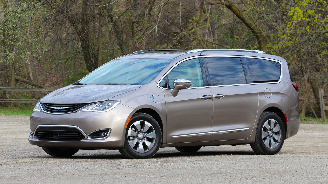 Excellent 2017 Chrysler Pacifica Hybrid Review Photo Gallery