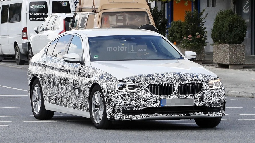 2017 BMW 5 Series Sedan drops more camo as details emerge