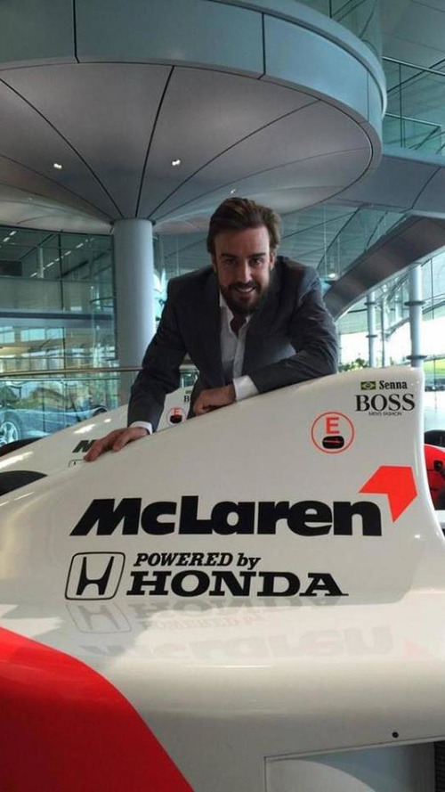 Alonso 'just a spectator' in F1 briefings