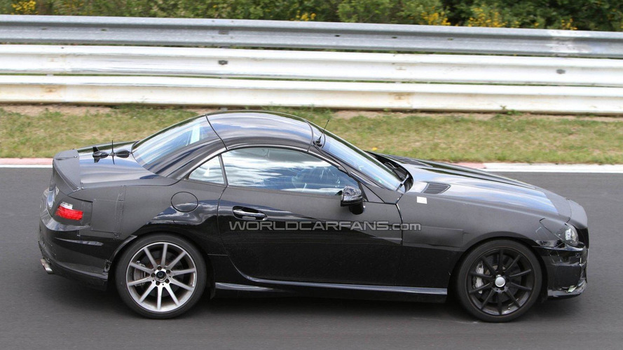 2012 Mercedes Benz SLK AMG spied with less camo