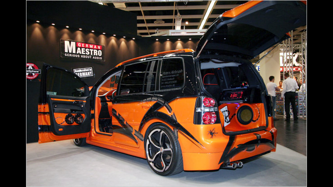 VW Touran (Car&Sound 2009)