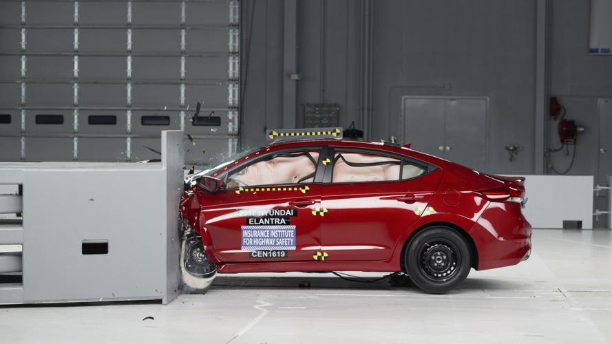 2017 Hyundai Elantra crashes its way to TSP+ honor