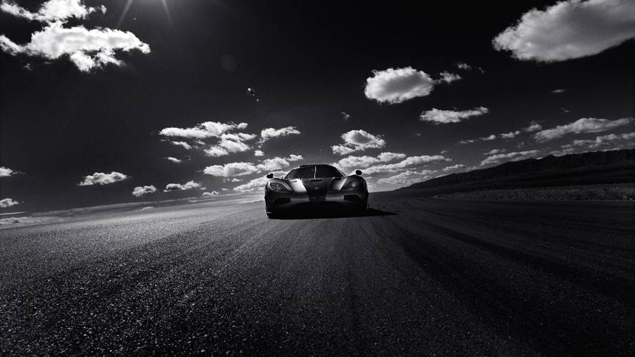 Hasselbladu0027s Stunning Photos Capture Koenigsegg Agera RS Speed Run