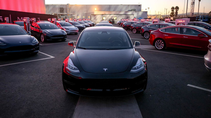 Analysts Predicts 10M Tesla Vehicles On The Road In 10 Years