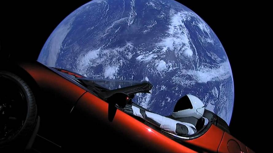 See The Tesla Roadster Launch And Leave Earthspace Behind