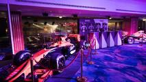 McLaren Honda y Formula 2 en display