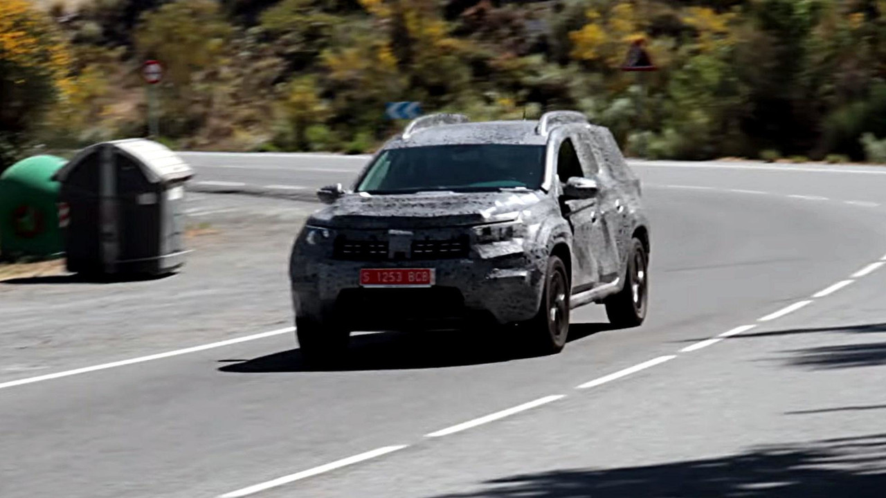 2018 dacia duster screenshots from spy video for Interieur duster 2018