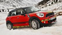 2012 Mini Countryman JCW teaser image - 13.12.2011