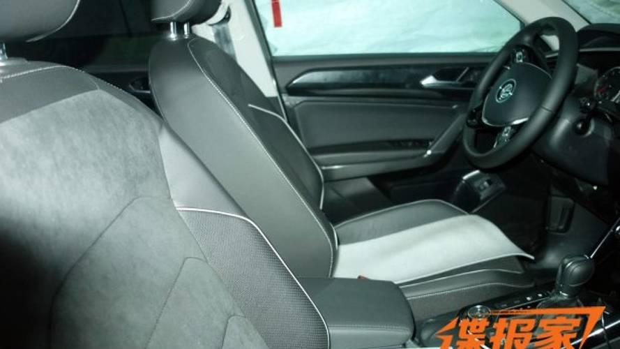 Flagra - VW T-Cross (SUV do Polo) tem interior revelado