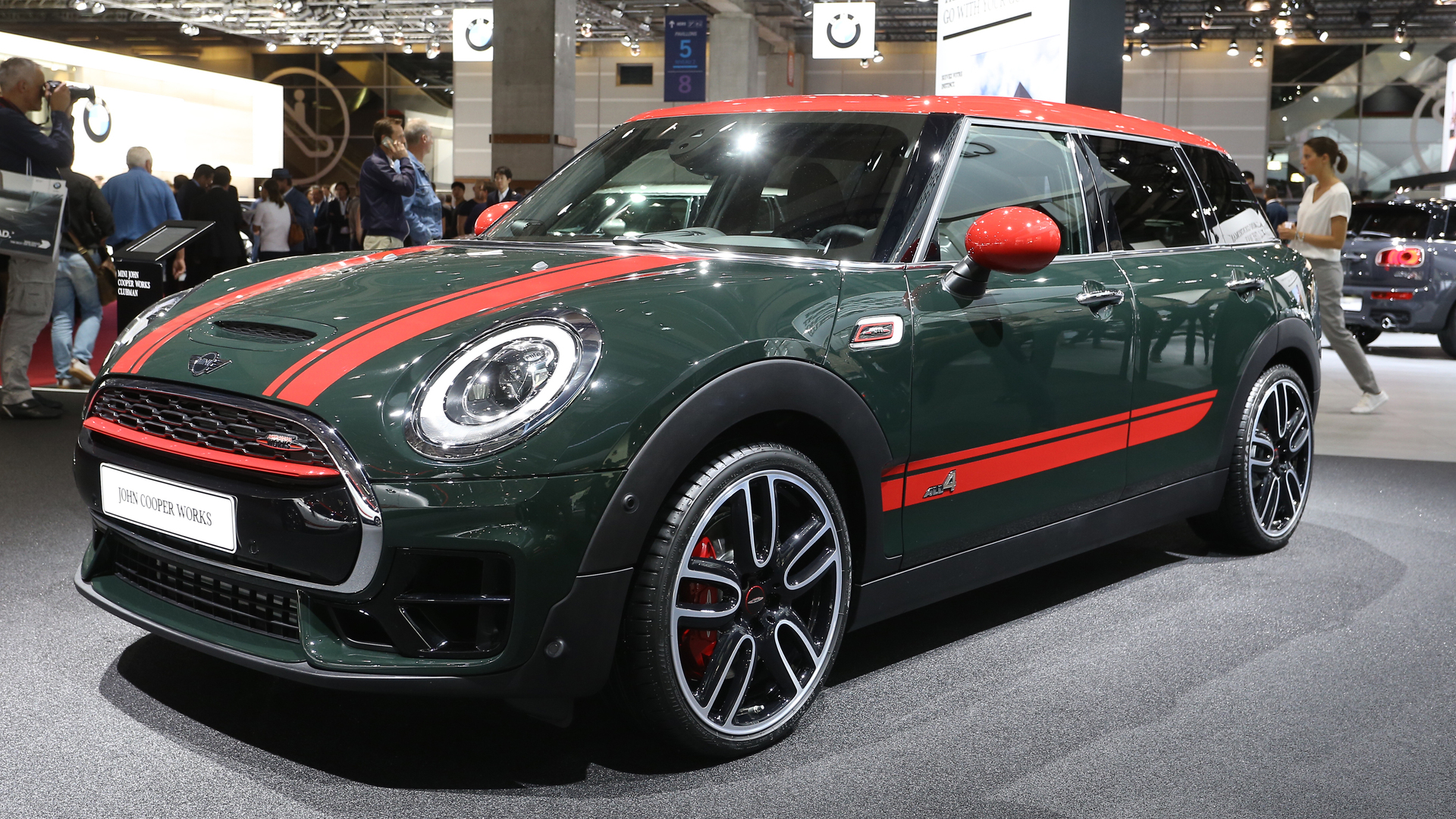 mini clubman jcw says bonjour from paris with awd and 228 hp. Black Bedroom Furniture Sets. Home Design Ideas