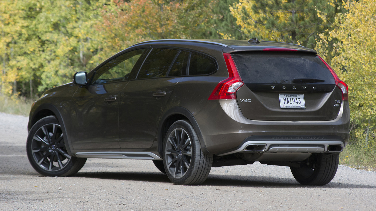 Volvo V60 Cross Country Review >> Review: 2017 Volvo V60 Cross Country