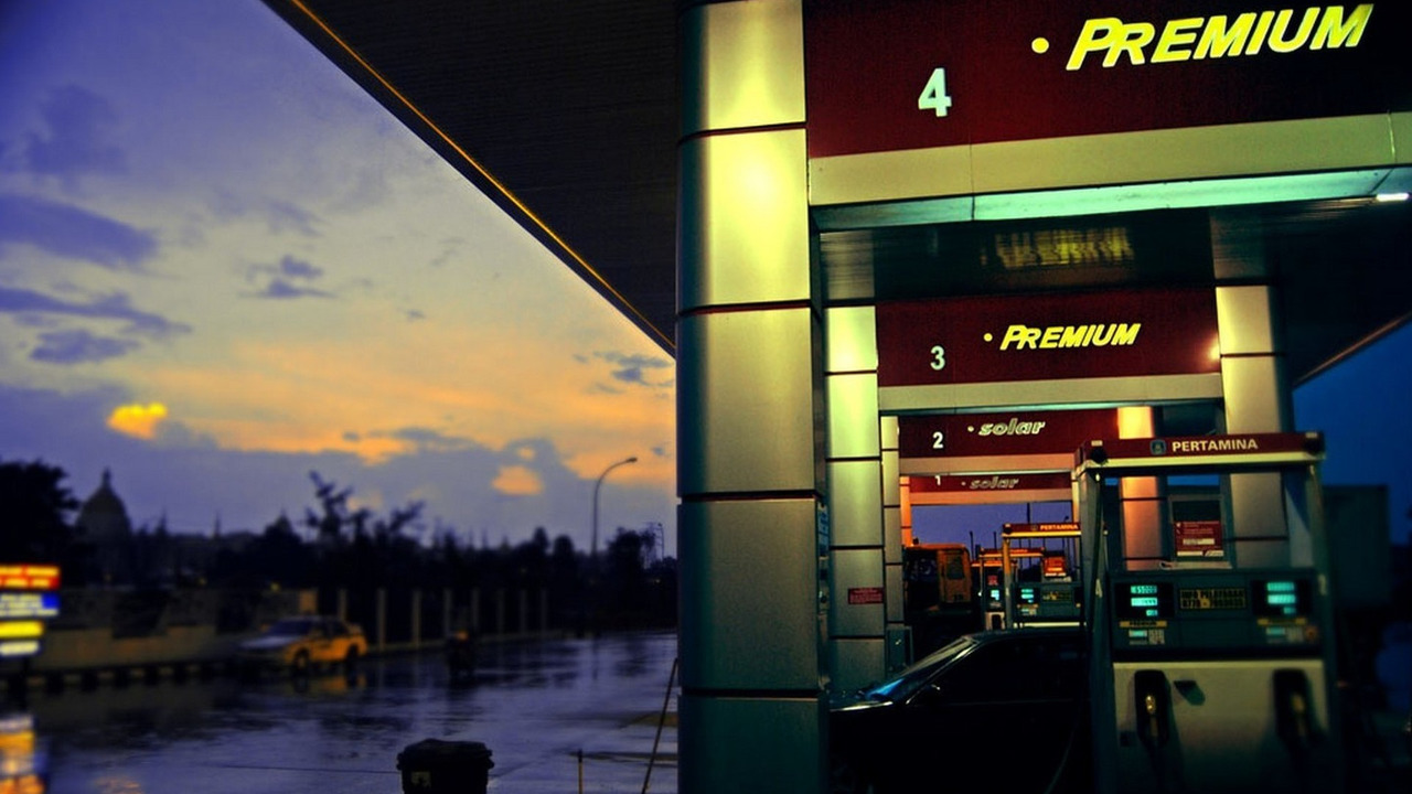 Rain, Gas Station and Dawn