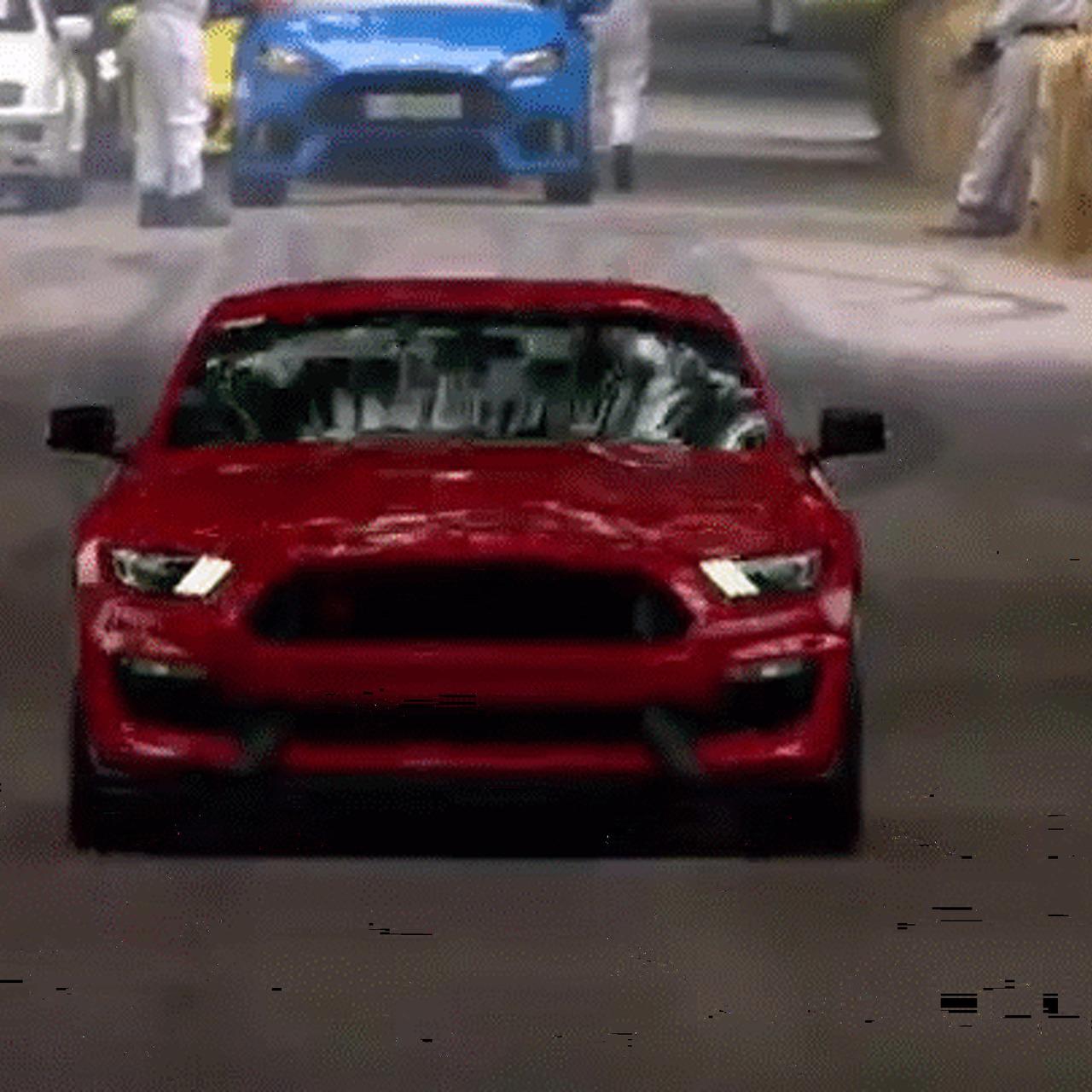 Watch the Shelby GT350R Tear Up Goodwood Like an Animal