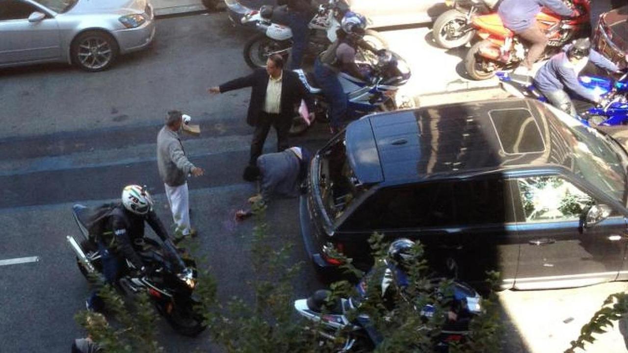 Bikers assaulting Range Rover driver 03.10.2013