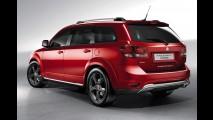 Fiat Freemont também ganha versão aventureira Cross para o Salão de Genebra