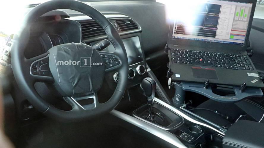 Makyajlı Renault Kadjar'ın kabini görüntülendi