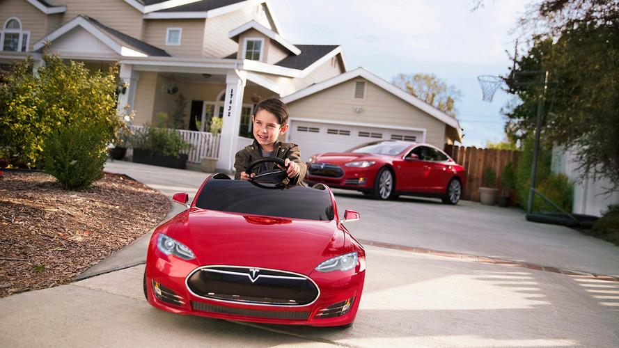 VIDÉO - Les enfants ont maintenant droit à leur Tesla Model S