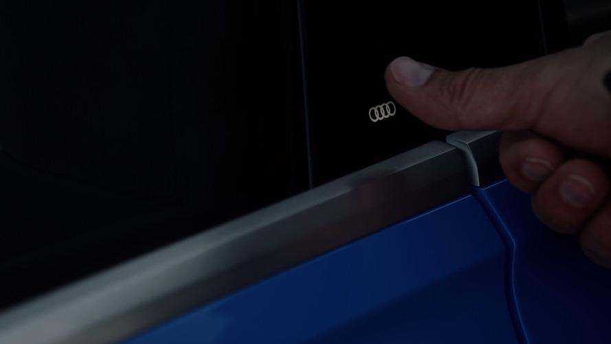 Q8 konseptinde kapı kolu görevini Audi logosu görecek