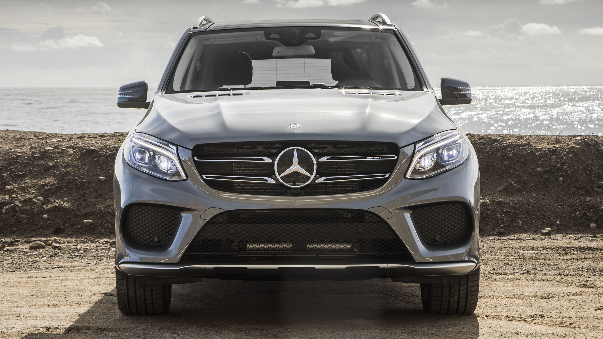 https://icdn-9.motor1.com/images/mgl/6xkgr/s1/2017-mercedes-amg-gle43-review.jpg