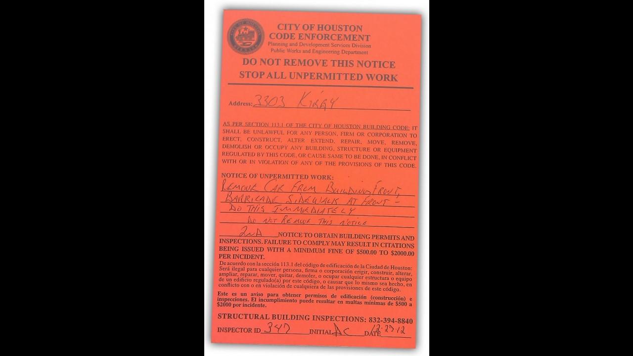 "MINI Cooper ""estacionado"" na parede é multado nos EUA"