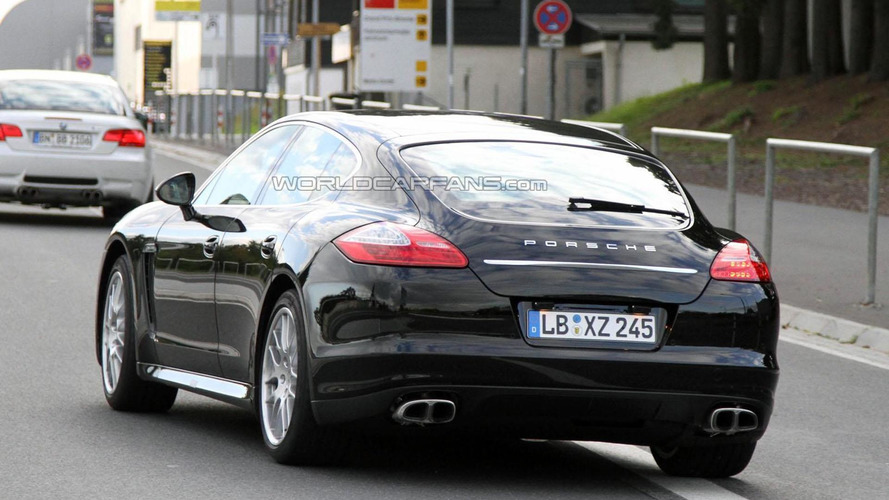 2013 Porsche Panamera facelift spied for the first time