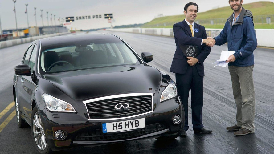 Infiniti breaks quarter-mile record for a hybrid with M35h