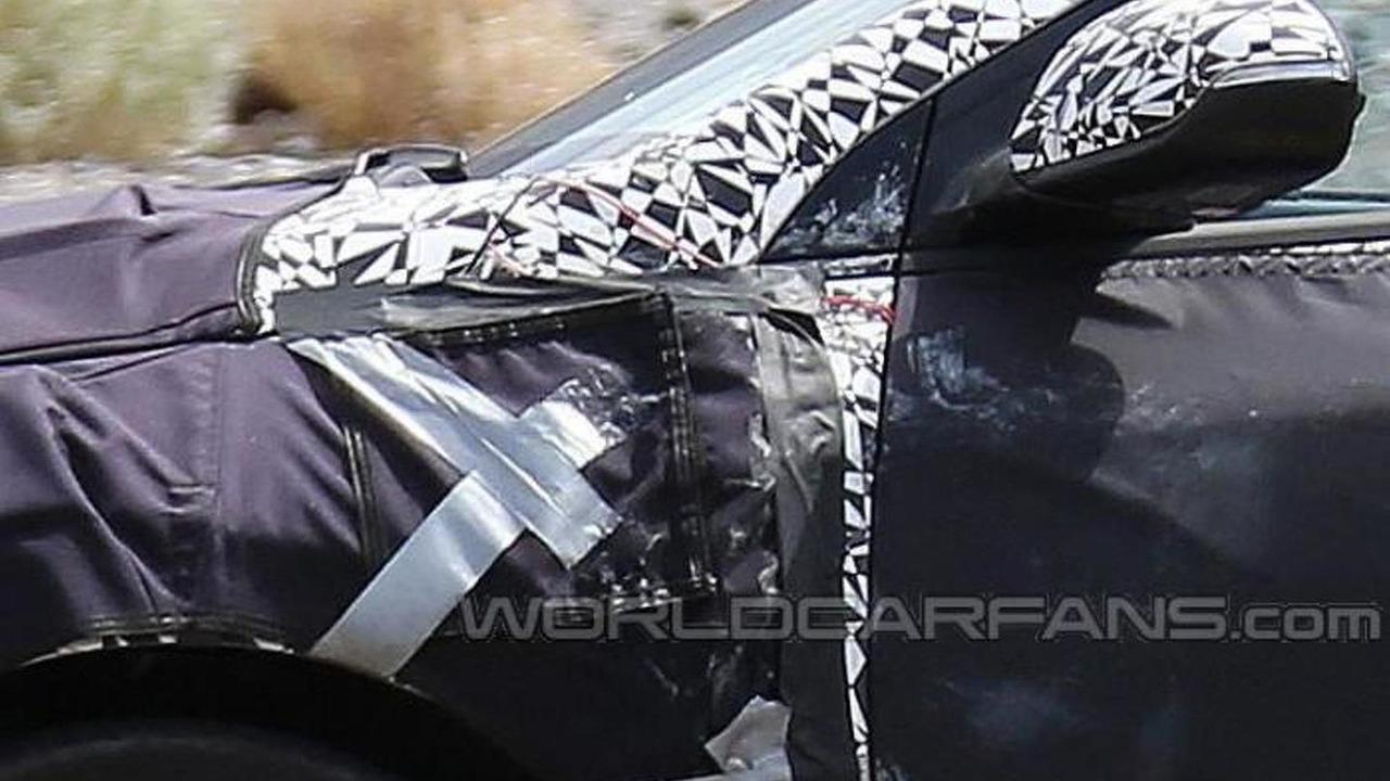 Hyundai Prius competitor spy photo