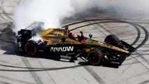 Long Beach IndyCar: Hinchcliffe wins, Andretti and Penske fade