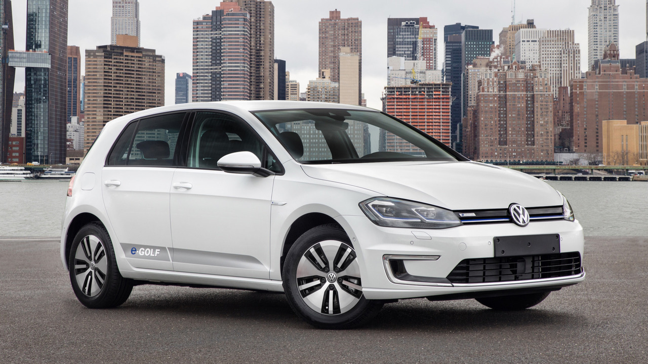 vw brings updated 2018 golf family to new york. Black Bedroom Furniture Sets. Home Design Ideas