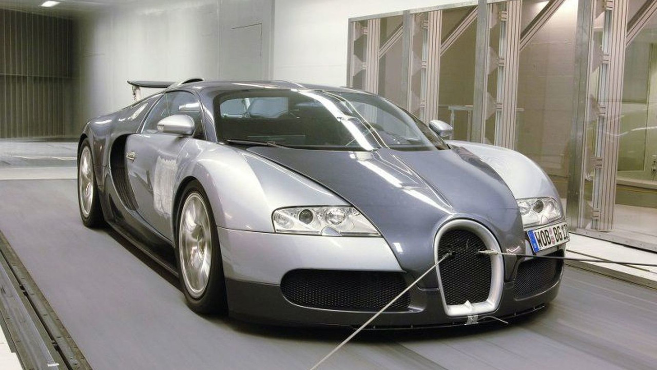 Bugatti Veyron in wind tunnel
