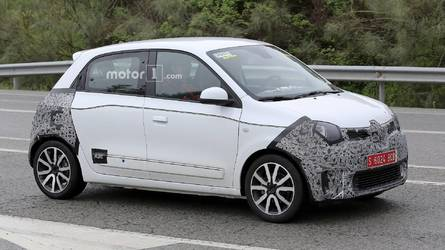 2019 Renault Twingo Facelift Spied Up Close