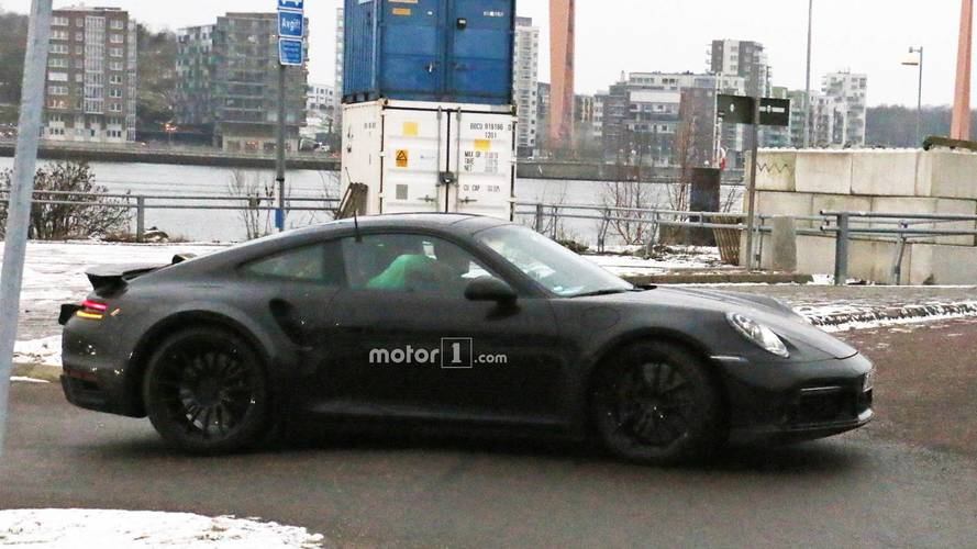 Porsche 911 Turbo casus fotoğraflar