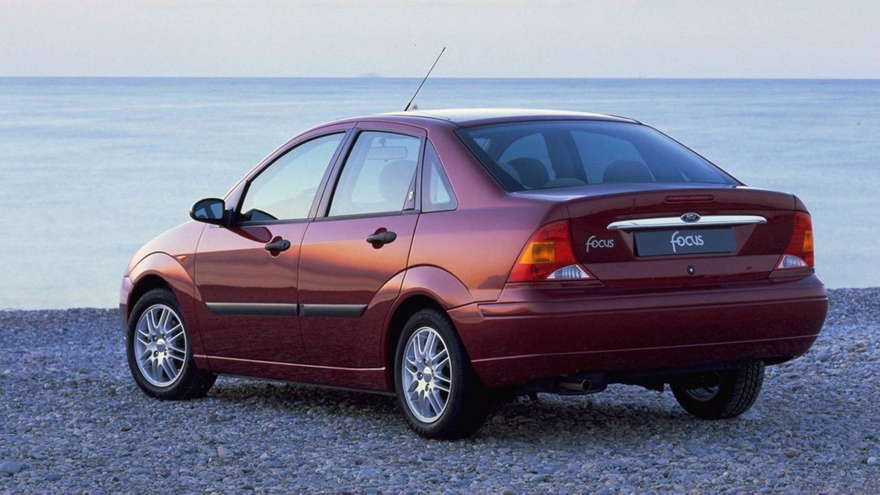 1998-2001 Ford Focus Ghia Sedan