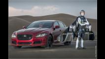 550-PS-Jaguar gegen Jet Man