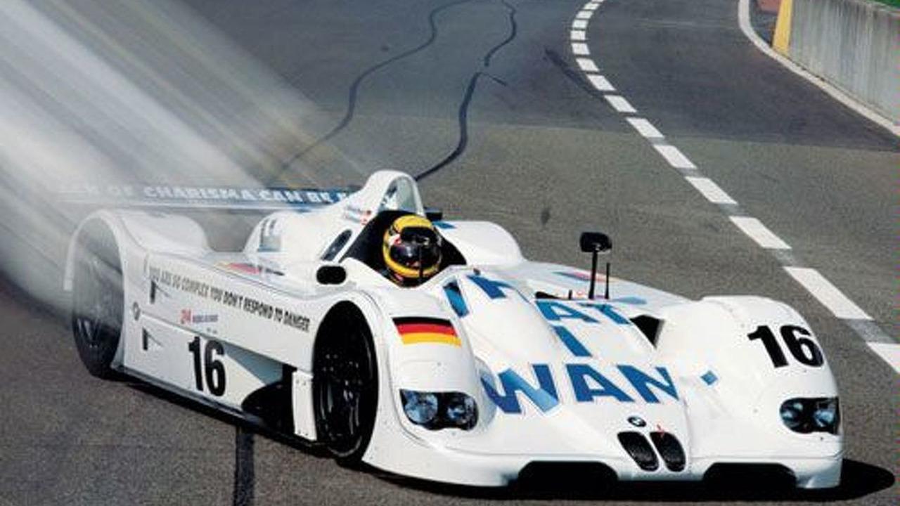 BMW V12 LMR, Jenny Holzer 1999