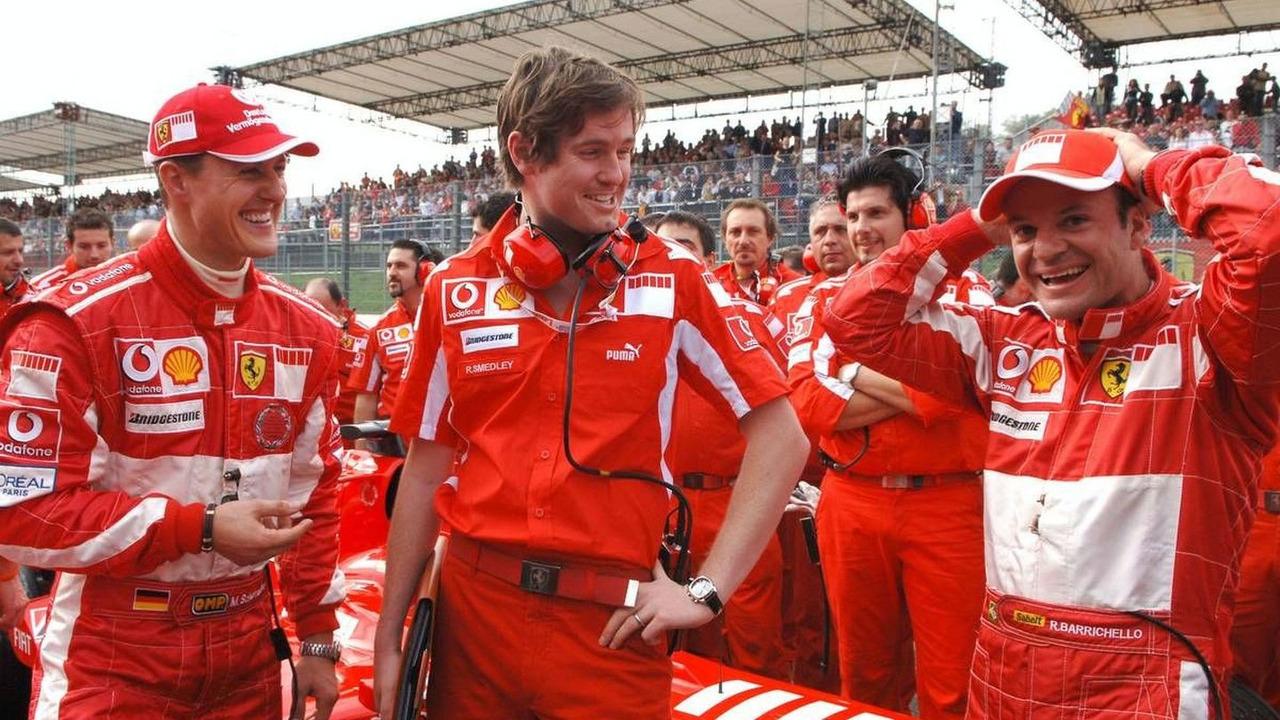 Michael Schumacher, Rob Smedley, Test team Engineer, Rubens Barrichello, Ferrari Finali Mondiali, Mugello, Italy 23.10.2005