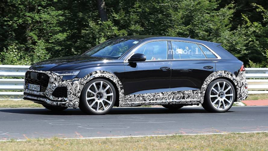 Audi RS Q8 Caught With Roll Cage And Recaro Seats During Testing